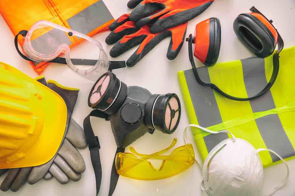 Antinfortunistica materiali di attrezzature di protezione di sicurezza sul lavoro. Indumenti protettivi